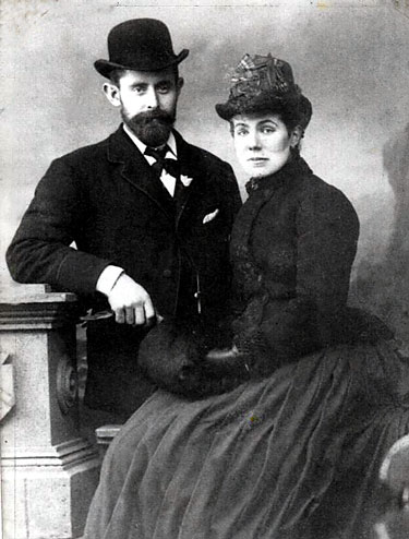 William J.S. Zelly and Elizabeth Ann Baker photographed in Weymouth 1875. Picture from Brian Zelly.