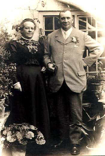 Stephen and Isobel Burr at Ox House, Bimport, Shaftesbury. Stephen born in 1858 was the son of Job and they were a travelling family - horse dealers and tinmen. Isobel was born at Longparish, Hants in 1858 and married Stephen in 1880 at Upper Clatford. Their children: Maud; Kate; Sarah; Stephen; Kezia and Bell were all born at Shaftesbury. Stephen died in 1919 and Isobel in 1936, they are both buried at Holy Trinity, Shaftesbury. Valerie Weber who contributed the photograph is the grand daughter of Bell.