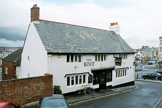 The 17th century Boot Inn, one of the oldest public houses in Weymouth: it is reputed to be haunted!