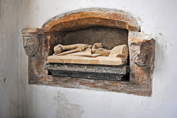 St Peter and St Paul Church at Mappowder Effigy of a 13th century knight. Photo by Robert Chisman
